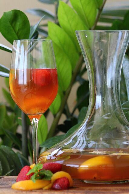 Aloe vera smoothie narancslével és eperrel
