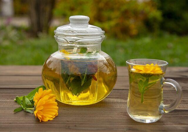 Körömvirág tea a száj- és gyomorfekélyek kezelésére